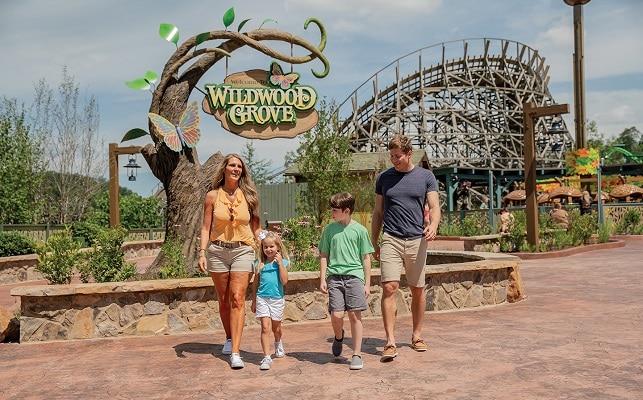 Dollywood สวนสนุกจาก Dolly Parton ในรัฐเทนเนสซี่ ประเทศสหรัฐอเมริกา
